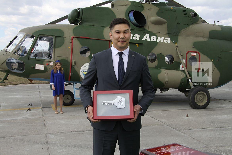 Передача вертолета Ми-8МТВ-1 авиакомпании Тувинские авиалинии