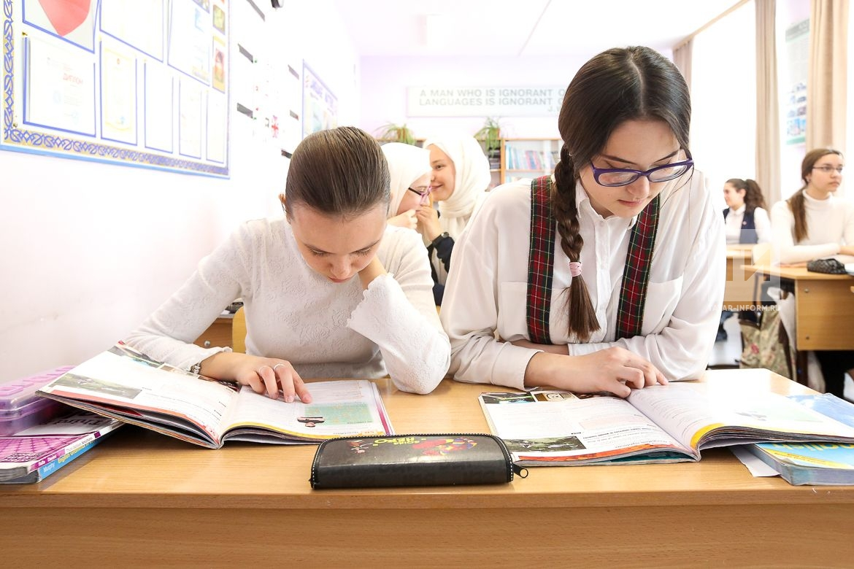 Урок английского в гимназии-интернате №4 в рамках проекта «Одна школа - одна страна» world skills 2019