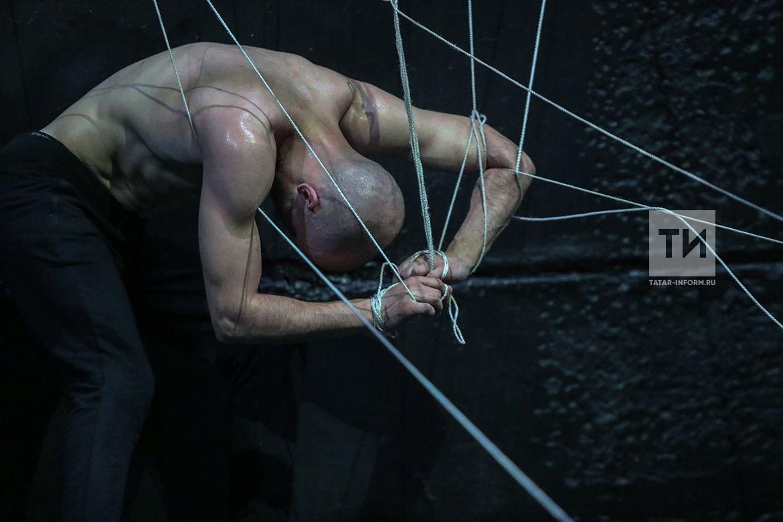 Премьера спектакля «После тихого часа» Йолдыз Миннуллиной и Мударриса Аглямова